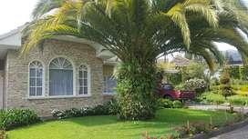 Hermosa casa en venta, amplia lujosa y segura 1 solo piso con amplia area verde en el sector se Rio Amarillo sayausi