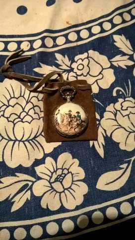 Antiguo reloj de bolsillo impecable