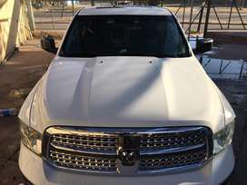 Dodge ram 1500  5.7