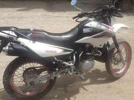 SE VENDE MOTO XR 125 AÑO 2013. Precio negociable