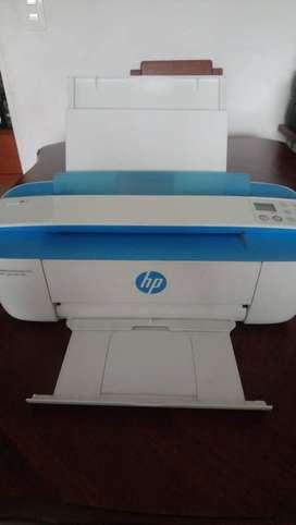 Vendo Impresora Multifuncional HP DeskJet Ink 3775 Azul