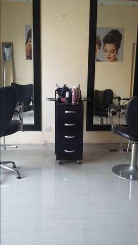 Traspaso salon peluqueria con clientes