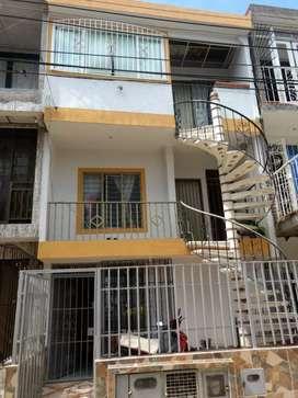 Vendo hermosa casa en ciudad cordoba 3 pisos