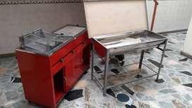 Horno pizzero (gas)+ Mueble doble Comidas rápidas asador parrilla + Mesa amasar aluminio (abatible) + mesas con sillas