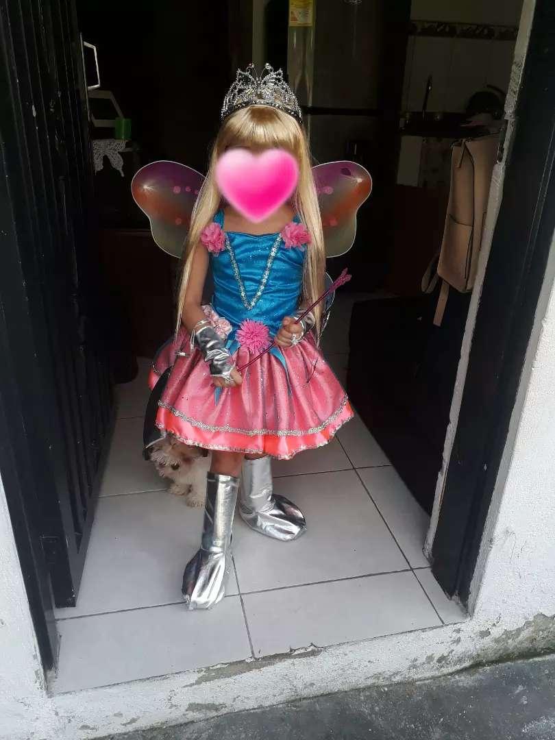 se vende disfraz de barbie 0