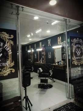 Vendo Barberia con zona de tatuajes