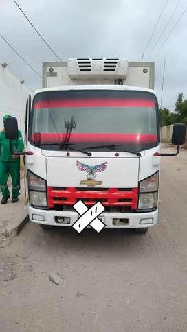 Venta de camión furgonado de refrigeración buen estado .