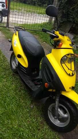 Vendo moto como esta $22mil