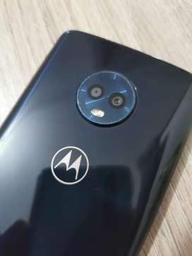 Se vende celular moto g6