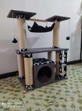 Rascadores o GYM para gatos