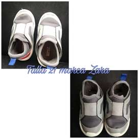 Zapatos marca Zara talla 21