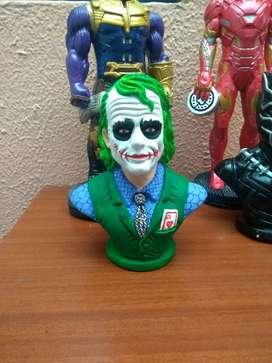 Vendo figuras en porcelana para coleccionar