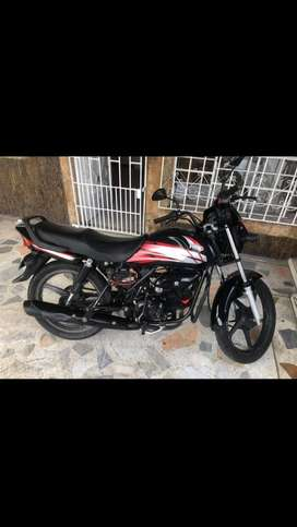 Vendo moto exo deluxe 2020 placa en F en 3000000
