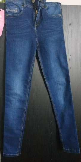 Jean de talla 8 $40.000