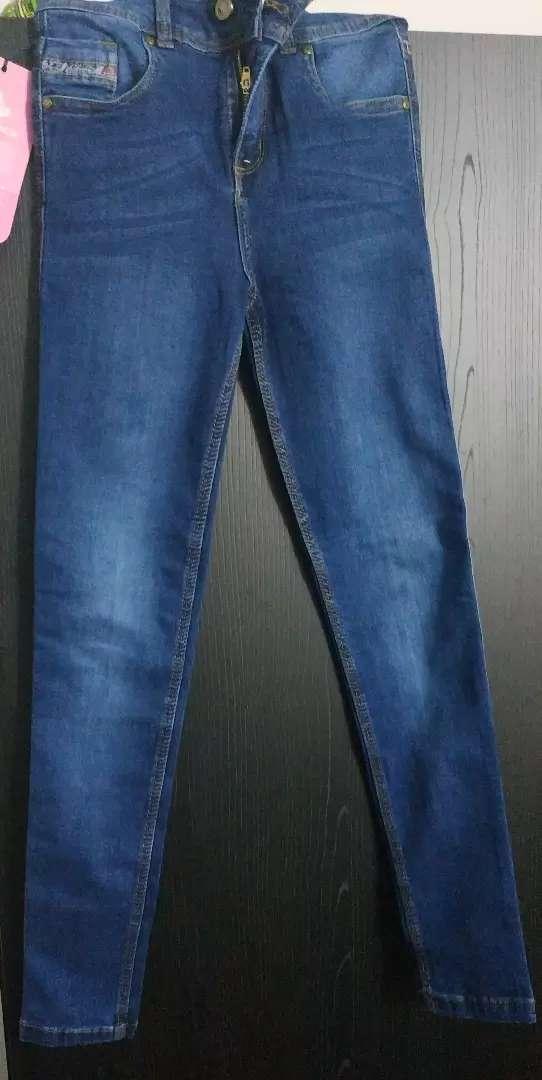 Jean de talla 8 $40.000 0