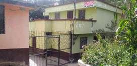 Se vende una hermosa propiedad en la Ciudad de Guaranda calle Estatira de Uquillas.