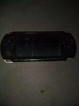 Vendo PSP 3000 daño de pantalla por repuestos funciona así