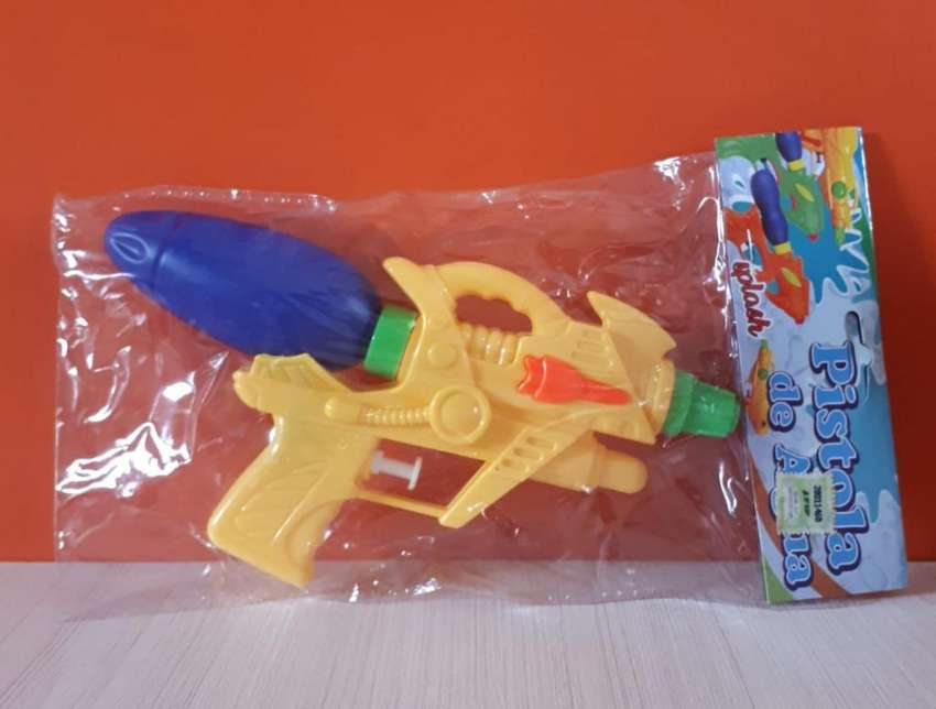 Pistola Lanza Agua Económica 0