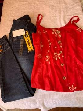 Vendo jean talla 28 , blusita floreada small