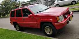 Vendo o permuto Jeep grand Cherokee
