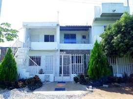CAsa con 5 apartamentos, Cerca a playas Paya Dormida