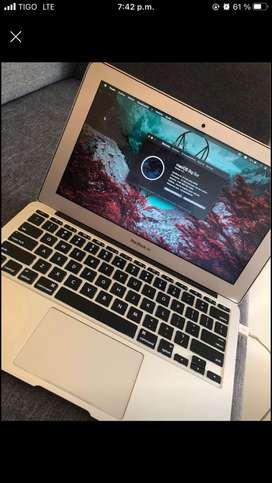 MacBook Air i7, 8 de ram gráficos de 1526 mb, 512ssd
