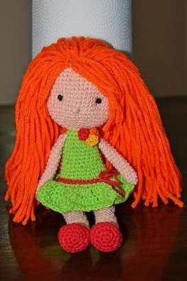 Muñeca Amigurumi Con Hermoso Pelo. Colores A Elección
