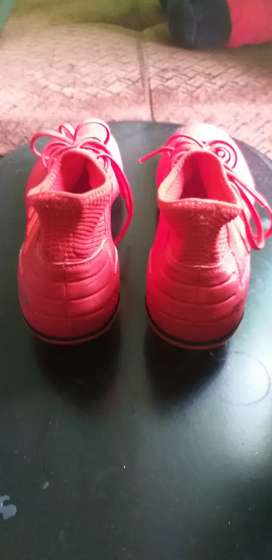 Gangazo guayos de fútbol adidas predator
