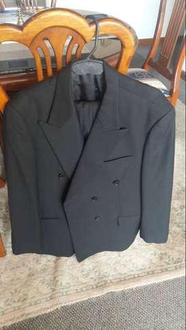 Vestido de paño color Gris hernan Barrios talla XL hombre