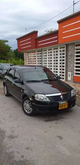 Se vende Renault Logan Familier Modelo 2014