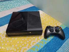 Xbox 360 Slim, perfecto estado sin ningún problema para lectura de juegos.