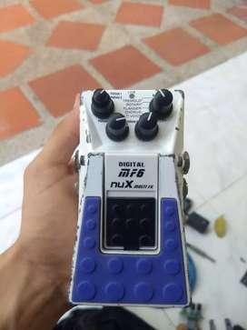 Pedal Multiefectos marca Nux