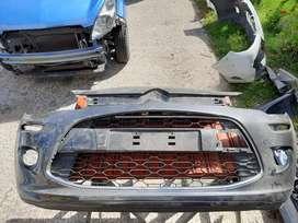 Paragolpe delantero de Citroen C3 con parrilla