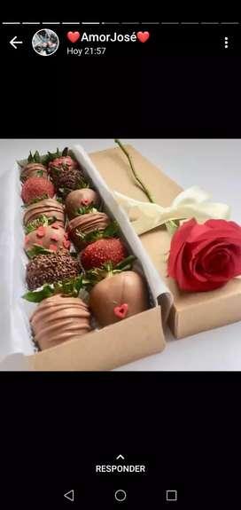 Rosas y Frutillas San Valentín