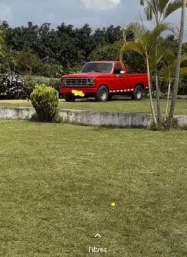 Venpermuto camioneta ford modelo 82 cabina sencilla informes