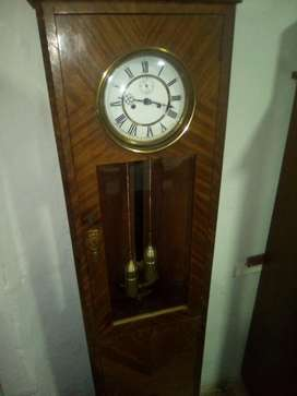Antiguo Reloj de Pie