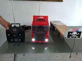 Cabina Tractocamion Scania R620 6x4 Highline con Trailer