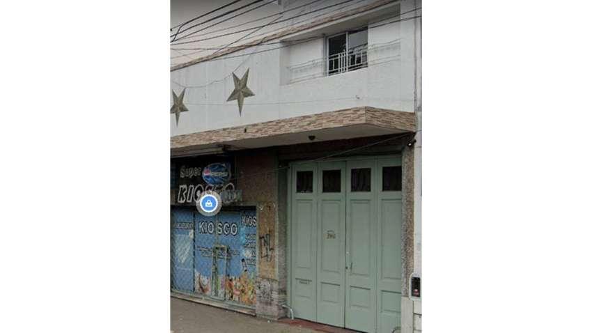 Alquilo habitación en casa de familia frente estación Ciudadela 0