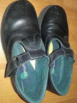 Zapatos colegiales Botanguita