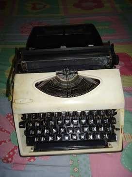 maquina de escribir Nipon americana