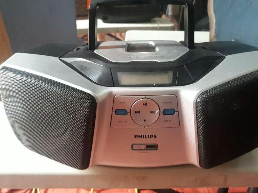 Equipo Philips Reproductor de Musica Mp3 0