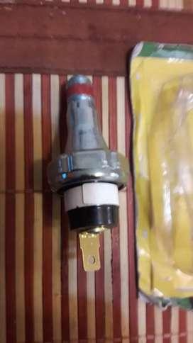Interruptor  presión de aceite para Jhon Ferre ref 85174