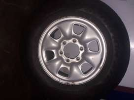 Vendo rueda de Toyota Hilux rodado 16