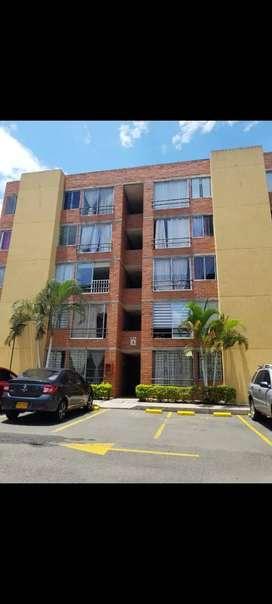 Vendo apartamento en primer piso/ condominio cerrado