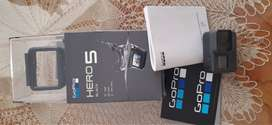 GoPro Hero 5 Black con estabilizador ZHIYUN EVOLUTION sin uso