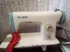 Maquina de coser Elgin
