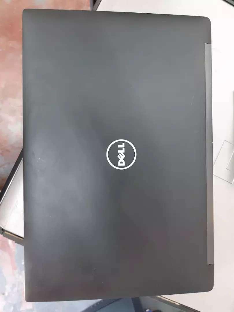 Dell LATITUDE  7490 0