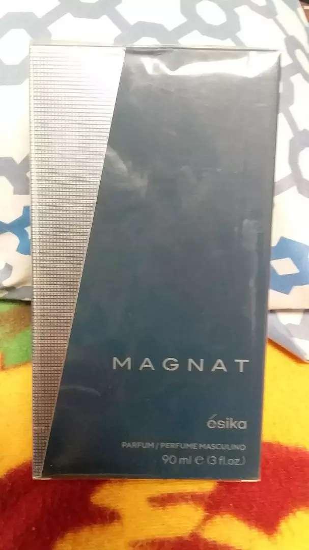 Perfume magnat de esika 0