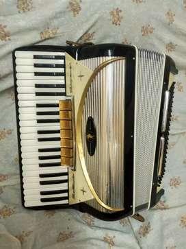 Se vende acordeón italiano settimio soprani