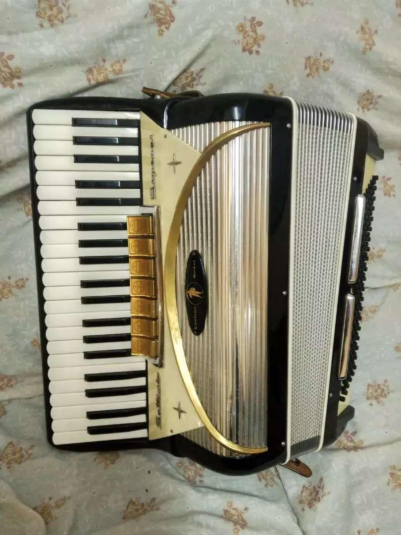 Se vende acordeón italiano settimio soprani 0